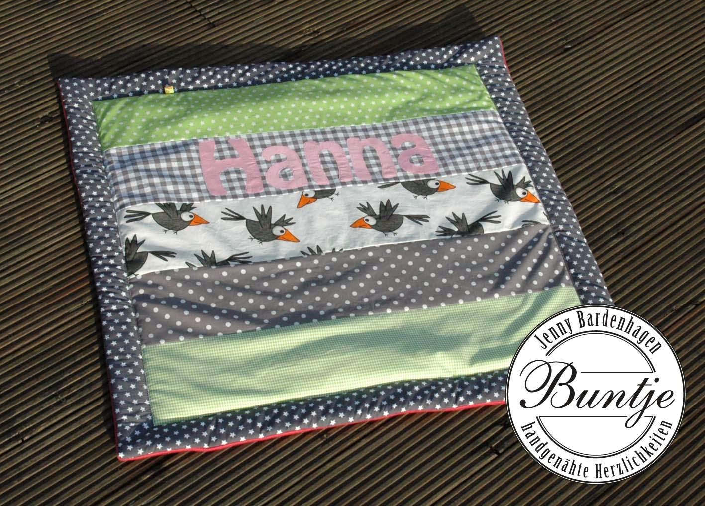 Krabbeldecke Decke Baby Mädchen Name Geschenk Geburt Taufe rosa grün grau Raben Vögel Tiere handmade Buntje Nähen