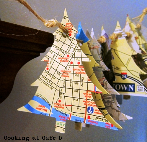 DIY Christmas Tree Travel Map Garland