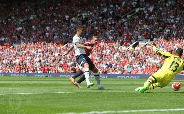 Kesalahan Kyle Walker Tottenham Hotspurs, penyebab gol bunudiri