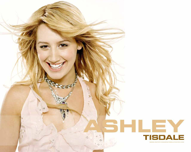 Actress Ashley Tisdale have a beautifut face