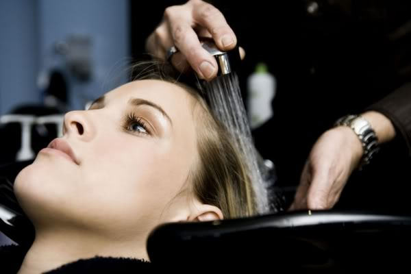 Magical beauty right way to washing your hair for Wash hair salon