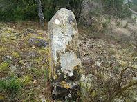 Aquesta fita indica el punt de confluència dels termes de Monistrol, Castellcir i Castellterçol