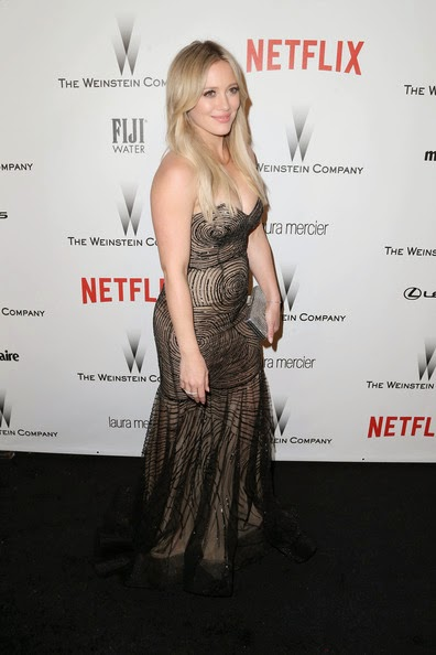 Katie Noble Weinstein >> Hairstyle Photo: Hairstyle of Long Center Part - Hilary Duff