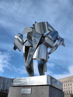 Monumento a los cien años de democracia finlandesa