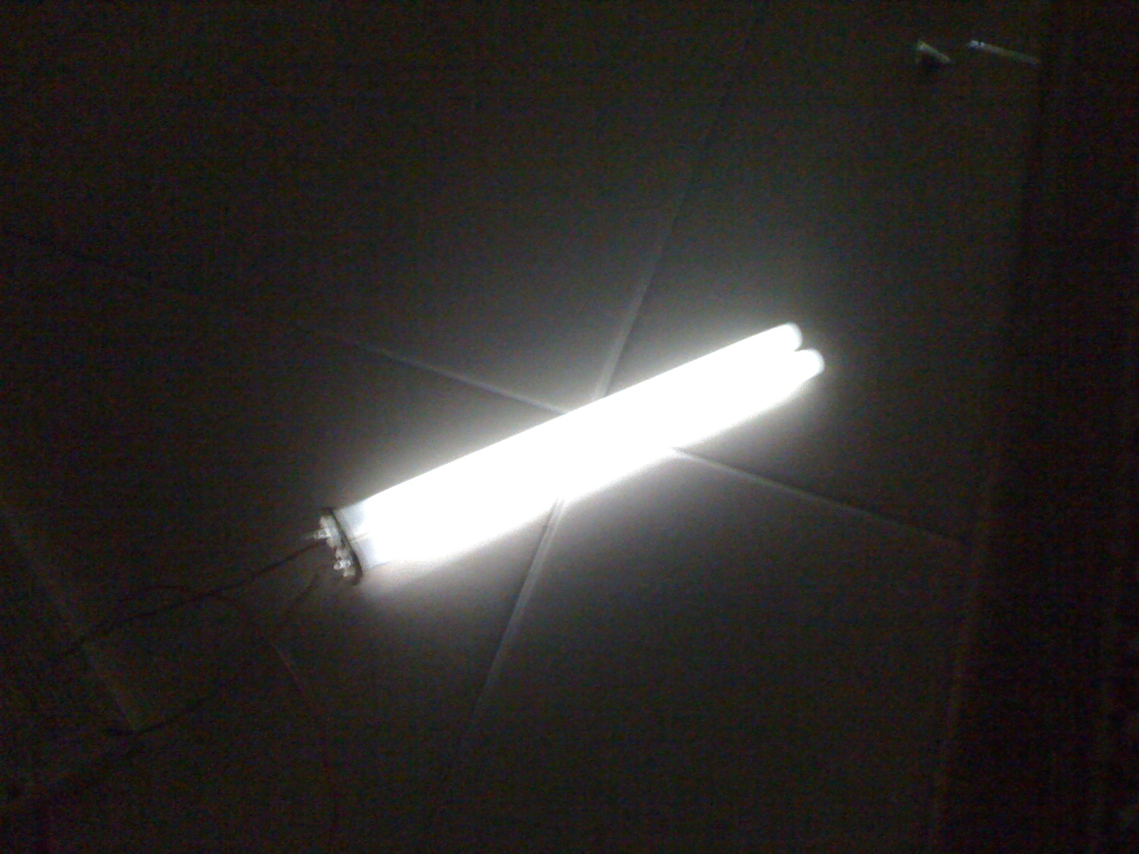 Thorpnics Lighting Fluorescent Bulb Using 9v Battery Light Timer Circuit Electronic Circuits And Diagramelectronics After Adding A Capacitor
