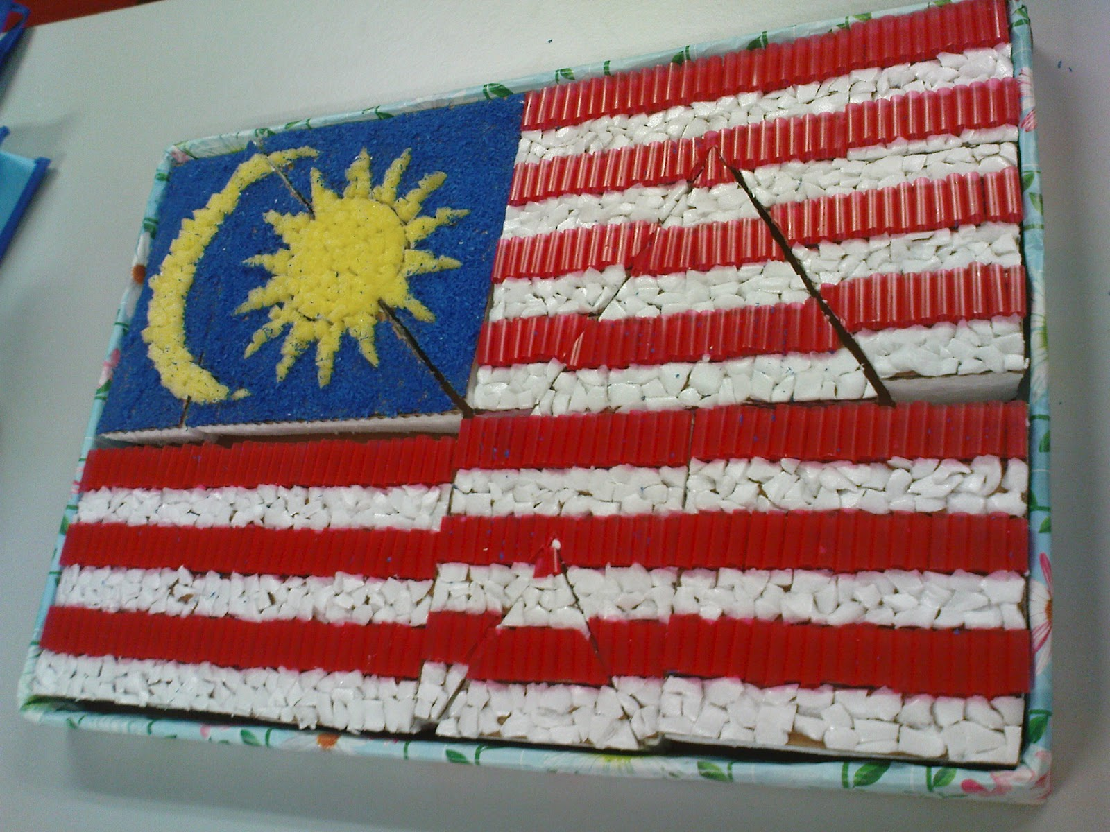 Bendera Malaysia sesuai untuk aktiviti Tema Negara Saya. Bahan-bahan ...