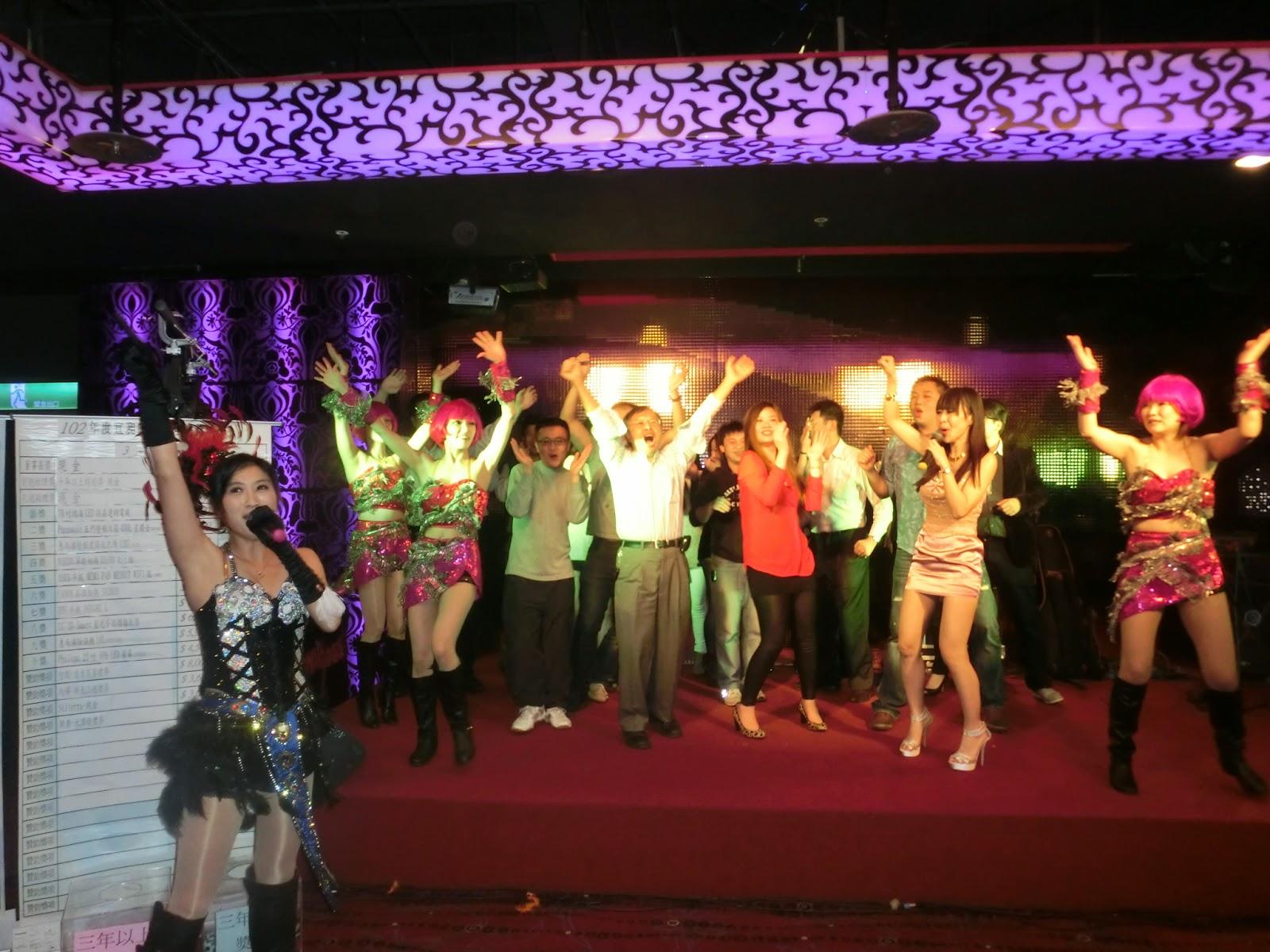 推薦,尾牙主持,活動主持,尾牙表演,舞者,企劃活動,統包活動,魔術,特技,樂團表演,樂團演唱,正妹,小丑,人入氣球,電音三太子,財神爺,人偶裝