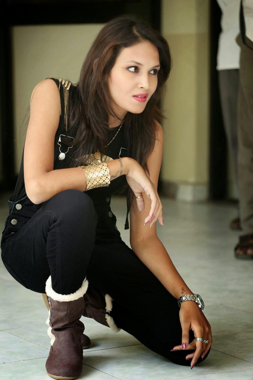 Angel Singh Stills At Anandam Malli Modalaindi Movie Release Press Meet