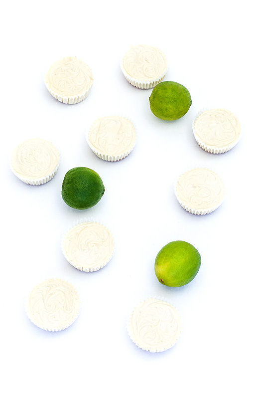 Mini raw lime tarts mini presne limetine tortice before getting out of muffin papers