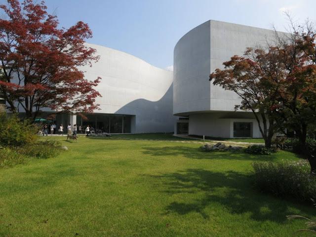 03-Mimesis-Museum por Alvaro Siza-Viera-