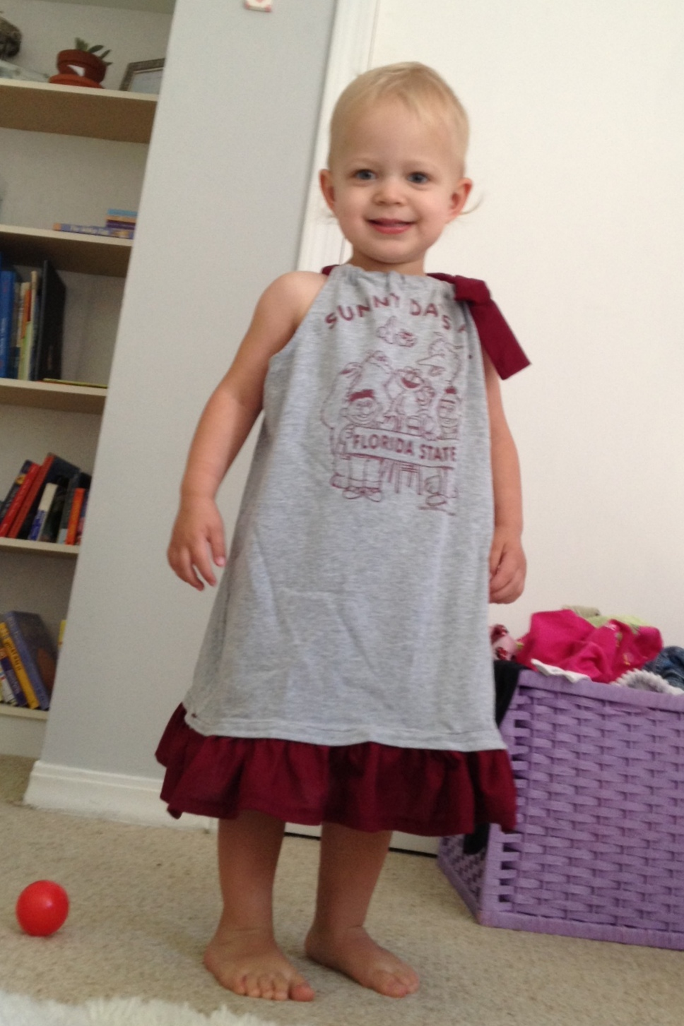 Cute Ideas For Pillowcase Dresses : Cute Tutes by Jaci Hayden: Upcycled t-shirt pillowcase dress
