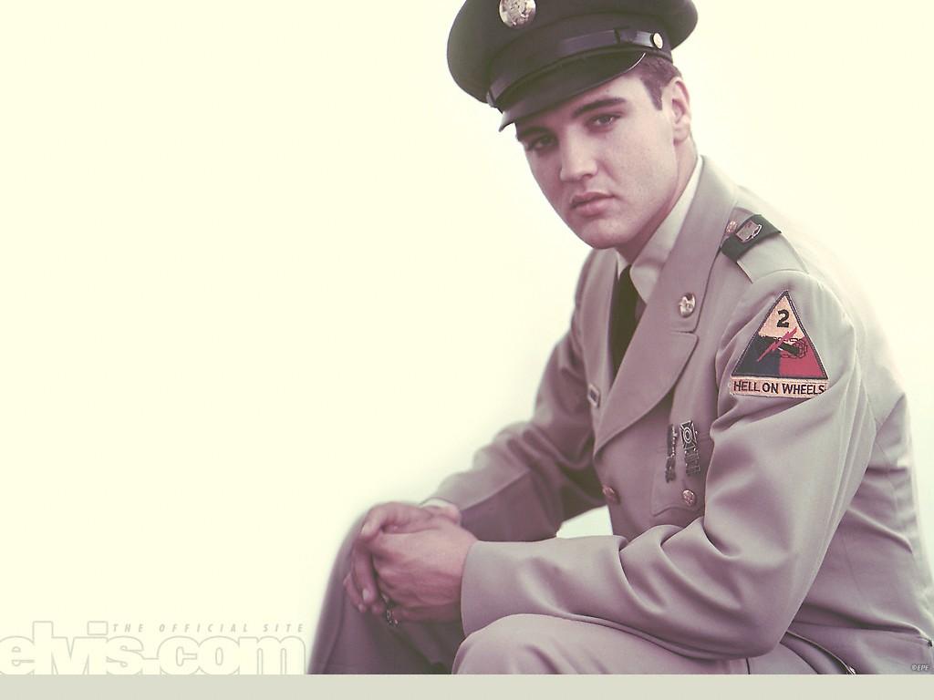 http://1.bp.blogspot.com/-XEiErGv23lk/Td-9THfd89I/AAAAAAAAENU/9NYuyJ53BT4/s1600/Elvis_Presley_18-1024.jpg
