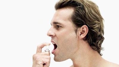 bad breath - رائحة الفم الكريهة نتيجة التهاب اللثة قد يعوق الحياة الجنسية وتسبب مشكلة في الانتصاب عند الرجال !!!!