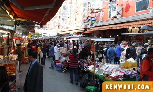 seoul namdaemun stalls
