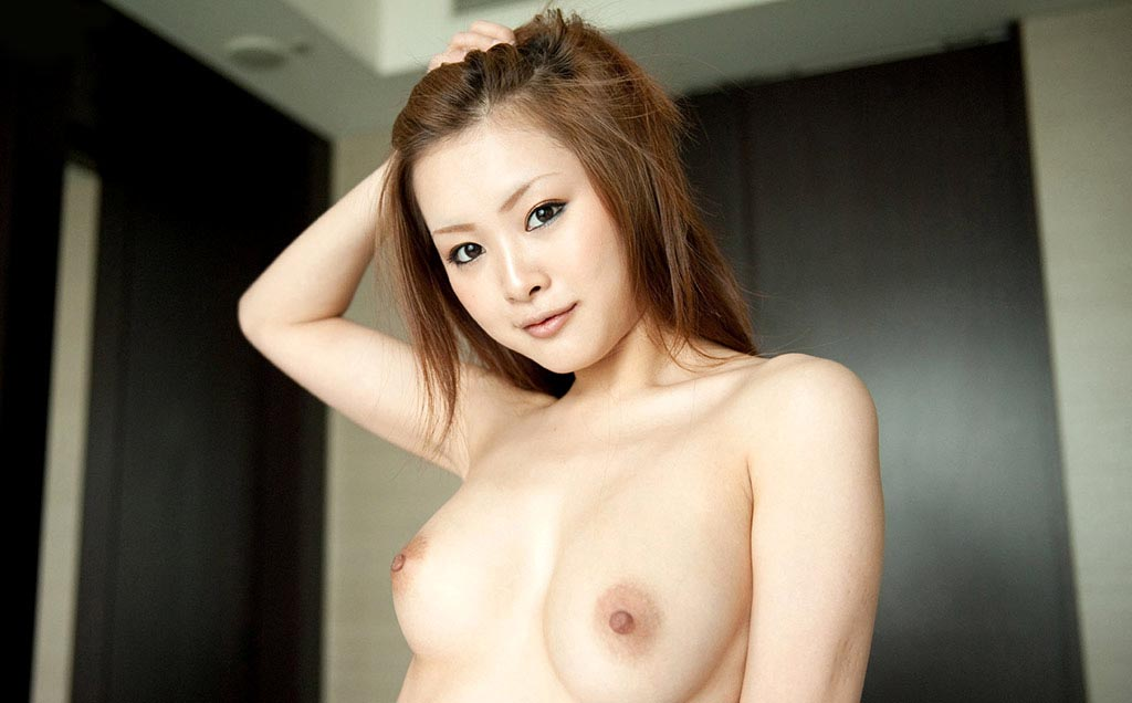 suzuka ishikawa topless photos 02