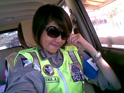 Pretty Policewoman Photos Narcissistic On-Camera