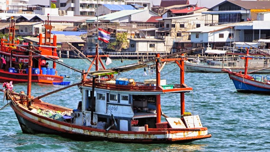 fisherboat nakluea pattaya