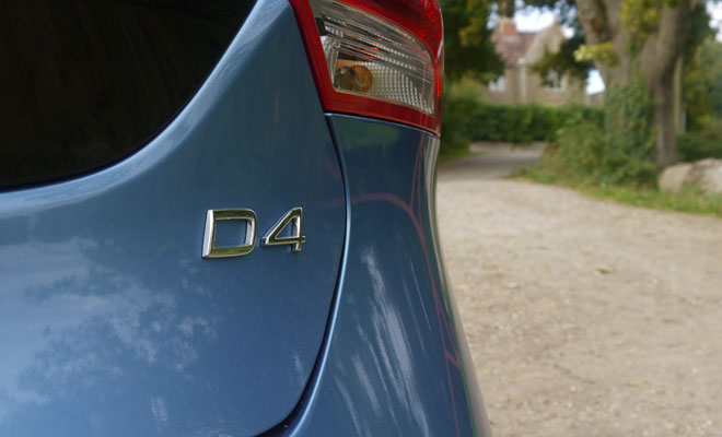 Volvo V40 D4 boot badge