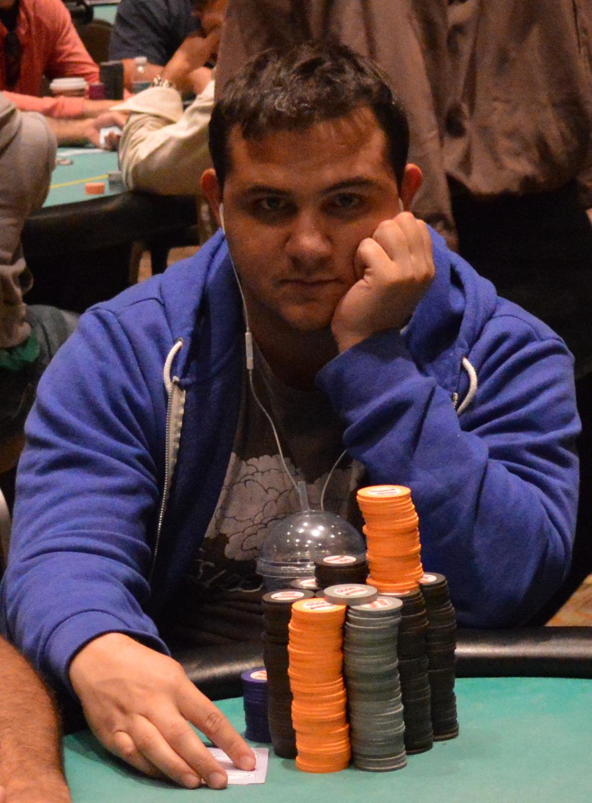 Borgata poker open 2013 event 8 big stacks sharing felt for Peter ippolito