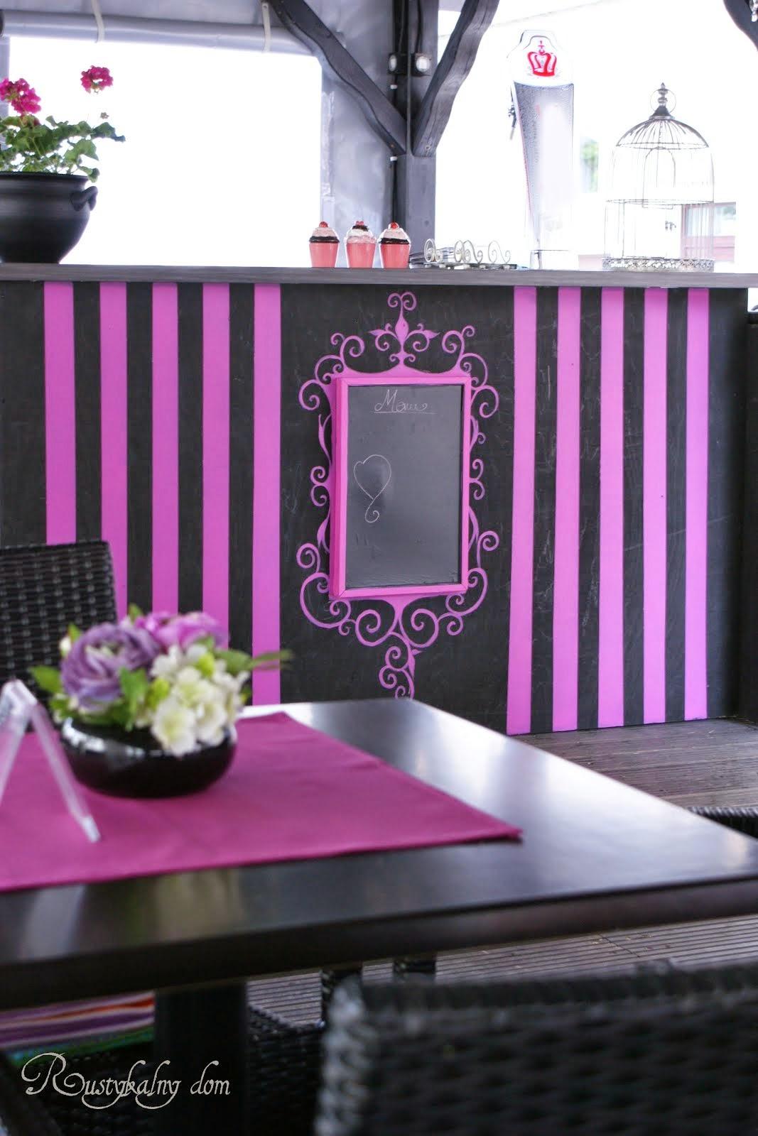 Aranżacja i malowanie ogródka kawiarni Dom Smaków w Głogowie