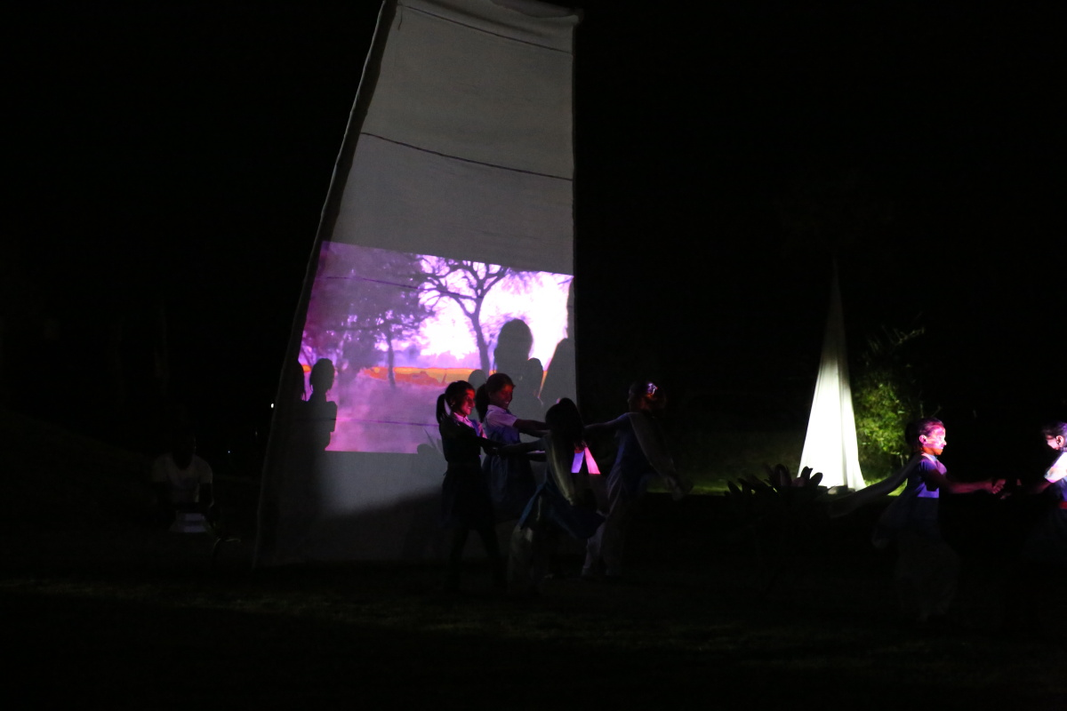 DD LIGHT & SHADOW PERFORMATIVE INSTALLATION IN ICHOL 2016 IN COLLABORATION WITH LOCAL CHILDREN