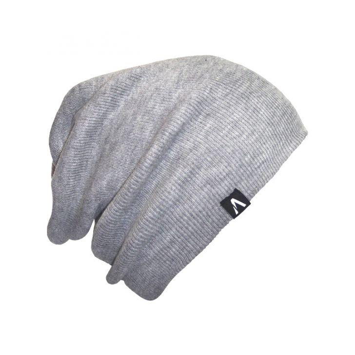 e417b6442eae1 Essa touca tem como característica o tecido que é grosso e boa para os dias  mais frios e para sair de noite para uma balada ou algo assim.