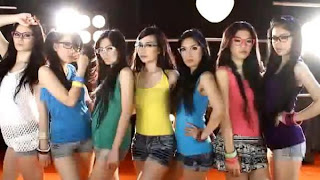 FOTO 7 ICONS GIRLBAND INDONESIA