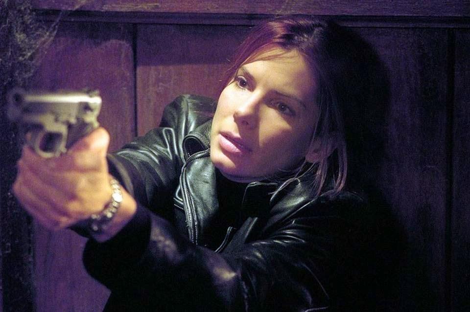 В 2002 году Баллок снялась в серьезном фильме «Отсчет убийств»
