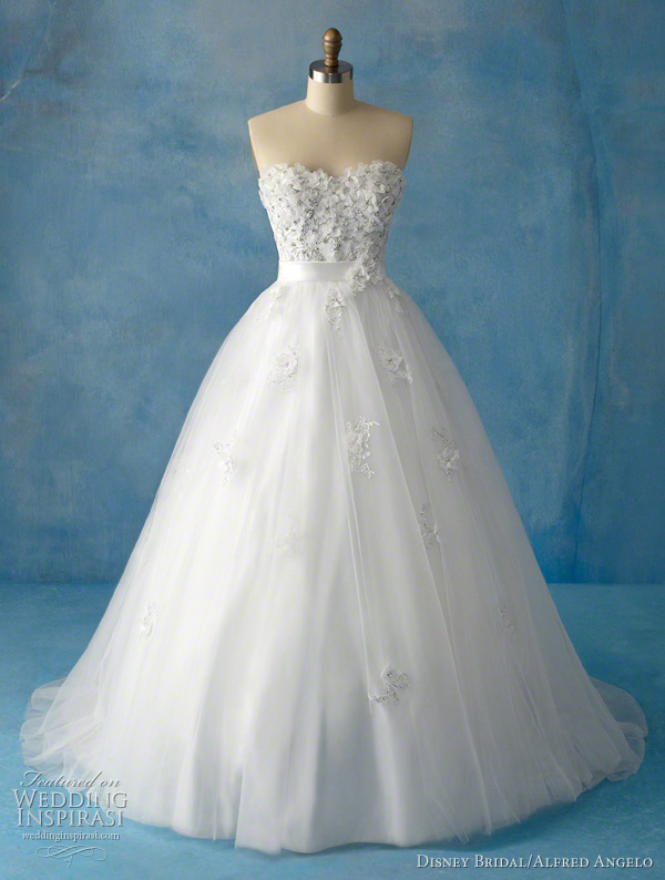 This Tiana inpsired gown employs both structure and softness Drawing on the