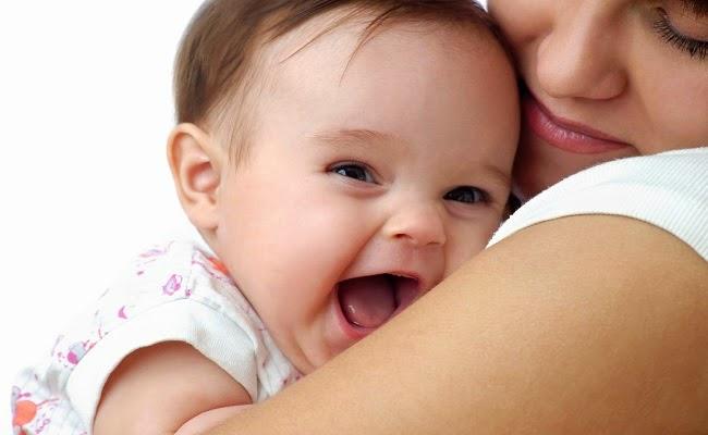 Photo bébé mignon avec nounou