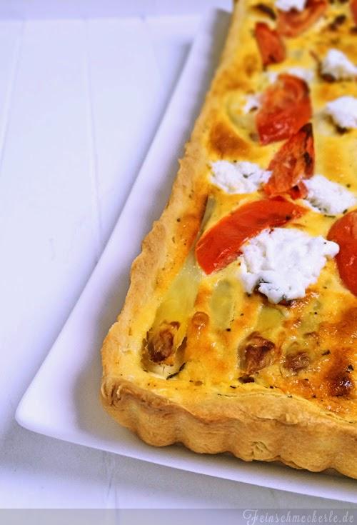 Spargel Tarte mit Ziegenkäse und Tomaten