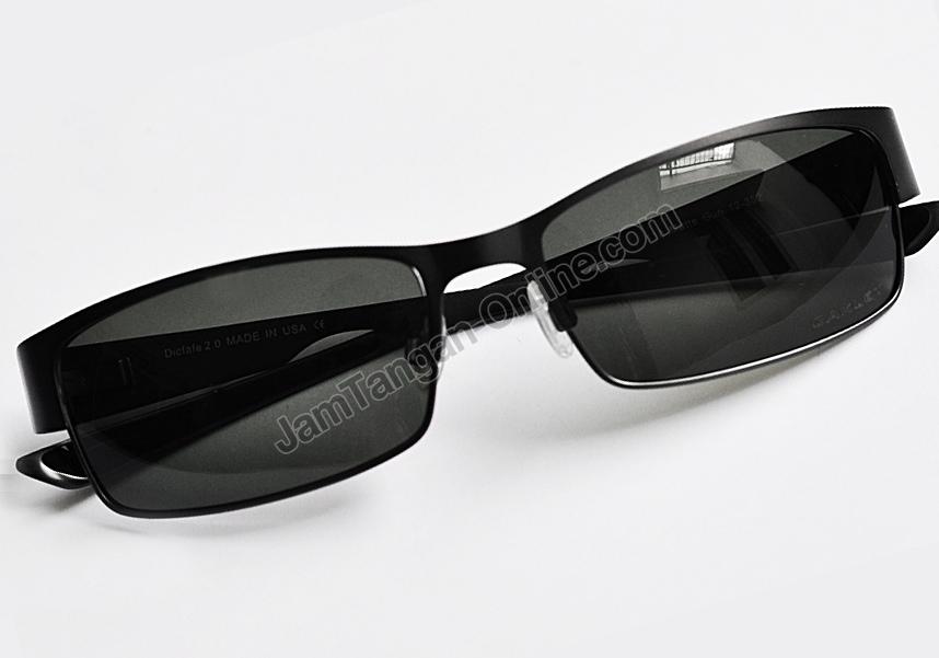 jual kacamata terbaru di Tulungagung  Kacamata Hitam Oakley Turquise ... 39c944dfac