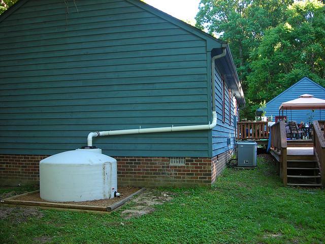 5 ideias de coletores de água da chuva