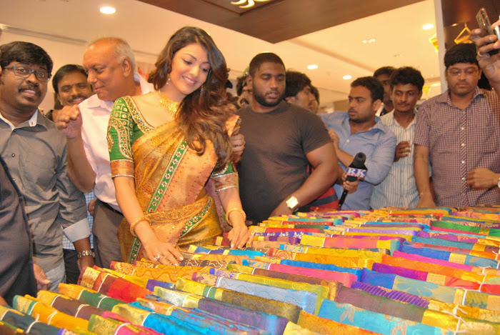 kajal agarwal launches chennai shopping mall hot images