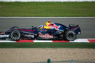 Gambar Mobil Balap F1 Red Bull 03