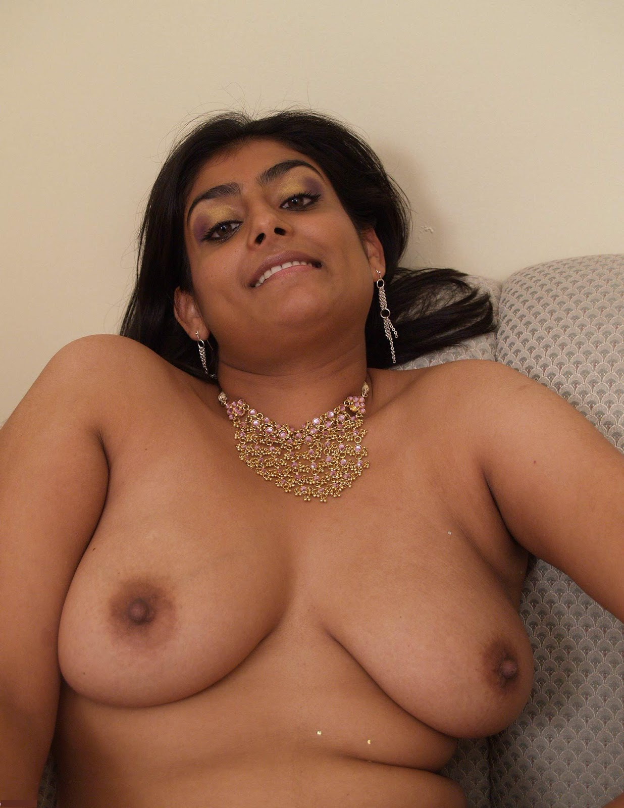 nude voluptuous ebony women