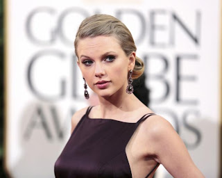 Taylor Swift at Golden Globe Awards