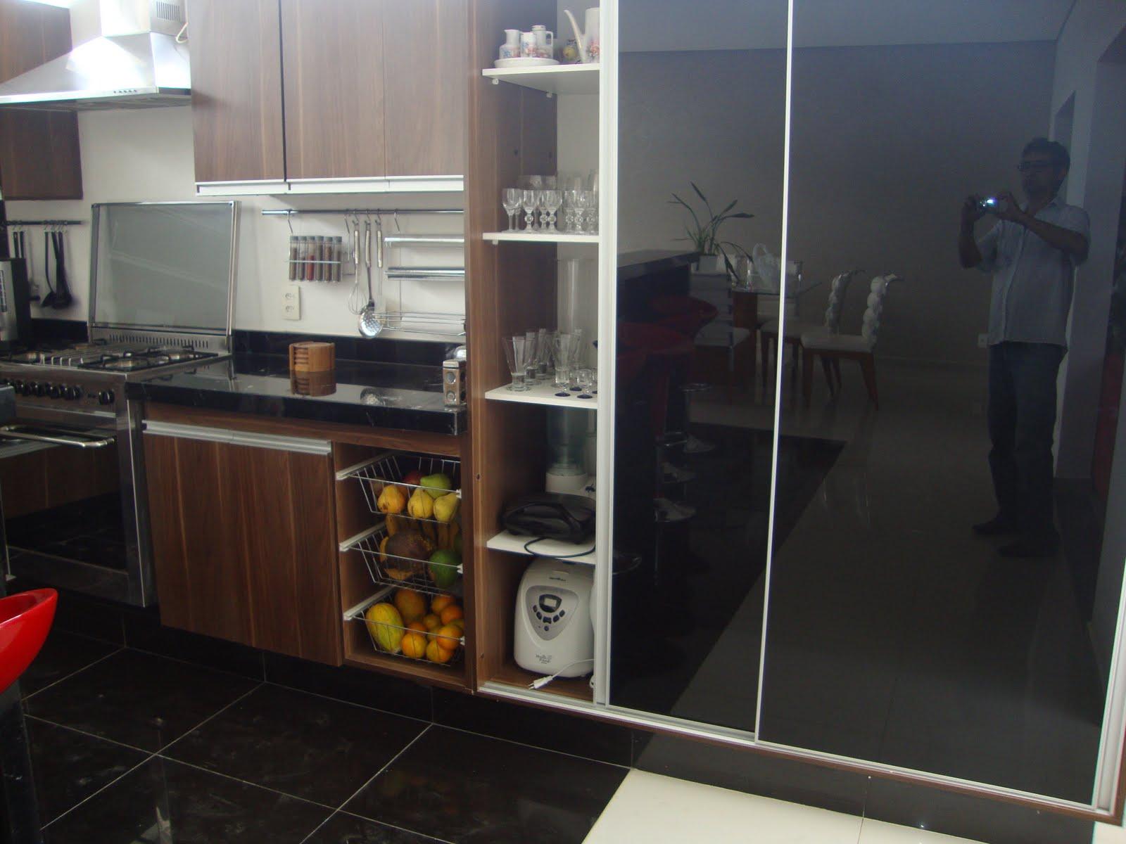 #683C2B Sioli Marcenaria: Cozinha Planejada em MDF Venezuela e portas de Vidro  1600x1200 px A Cozinha Mais Recente Projeta Fotos_836 Imagens