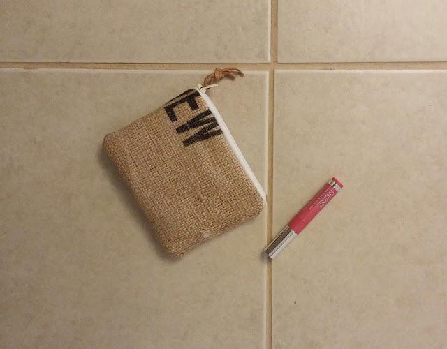 Lina and Vi burlap zipper pouch - www.etsy.com/shop/linaandvi