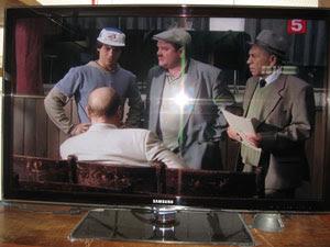Лед телевизор Самсунг поразил всю нашу семью и соседей. Раньше такого телевидения не смотрели. Характеристики лед телевизоров очень хорошие, можно смело идти и  покупать такой телевизор.