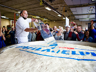 Duff Goldman Unveils World's Largest Cheesecake
