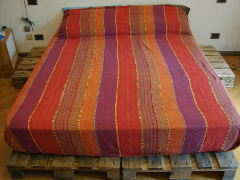 Letto Di Pallets : Wearecomplicated letto con pallet bancali costruzione e consigli