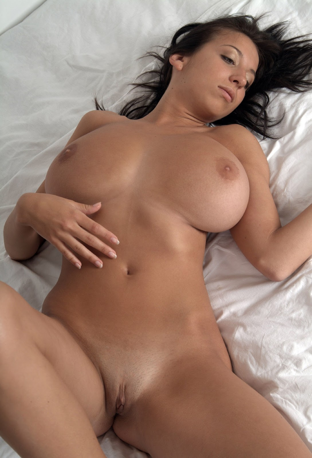 Naked Women Huge Boobs 17