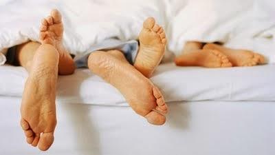 Anak Tidur Dengan Ibu Bapa