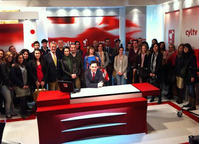 Olga Casal visita RTV Castilla y León con los alumnos de protocolo de la Universidad de Salamanca