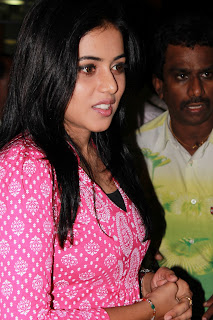 Poorna Latest Stills @ Viththagan Movie Press Show Event (2)