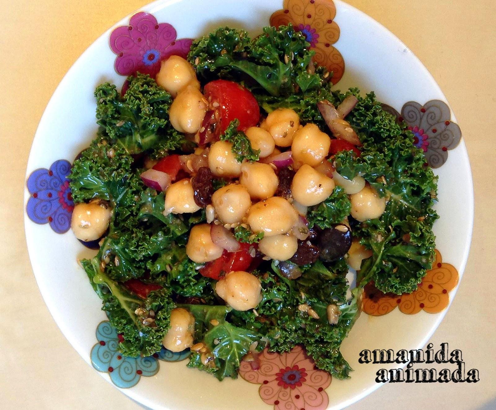 Recetas vegetarianas ensalada de kale y garbanzos con for Blogs cocina vegetariana