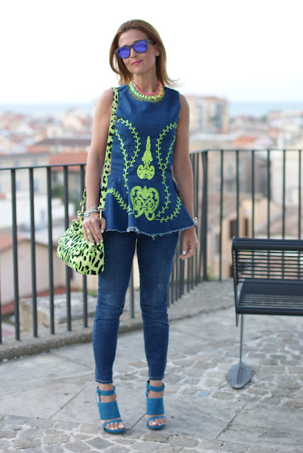 Denim on denim trend, Chicnova peplum top, Fashion and Cookies, Oakley mirror sunglasses