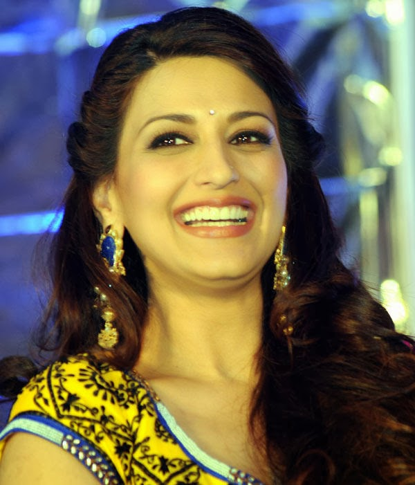 Sonali Bendre HD Wallpapers Free Download