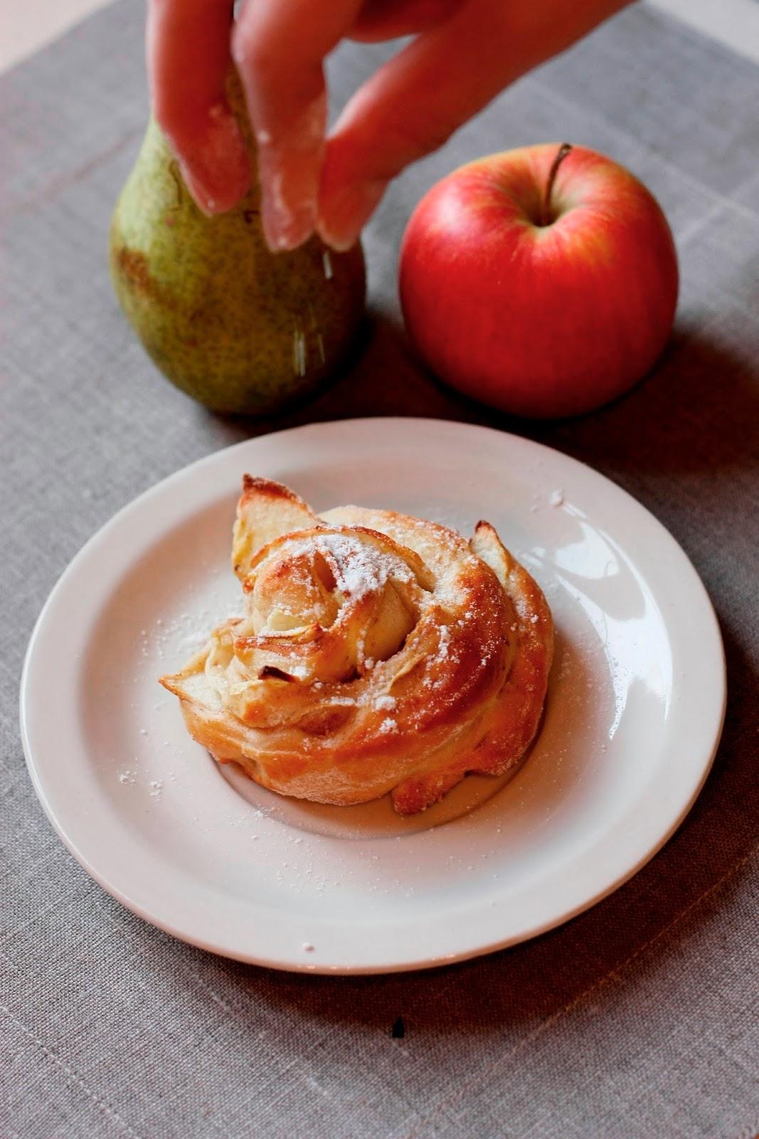 drożdżówki z jabłkami